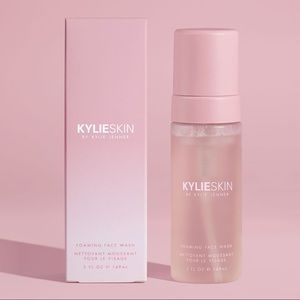 Kylie cosmetics foaming face wash cleanser